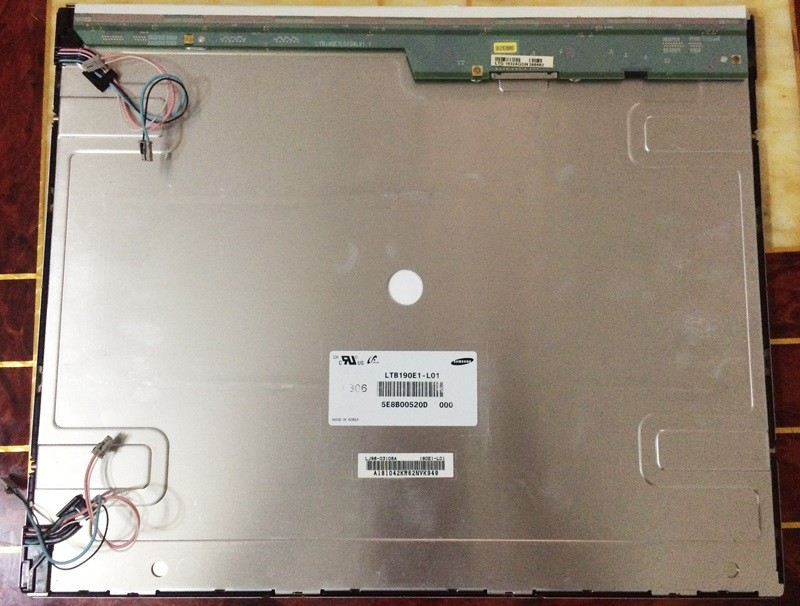 SAMSUNG LTB190E1-L01 19.0 inch a-Si TFT-LCD Panel - Used